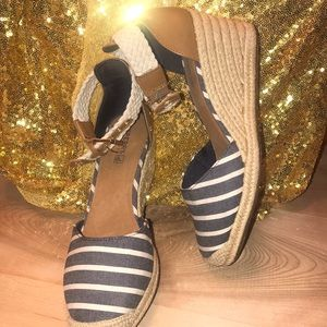 Never worn! Sperry nautical wedges